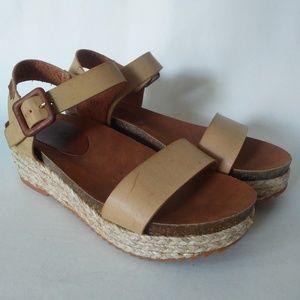 MTNG Platform Sandal Tan 7/38
